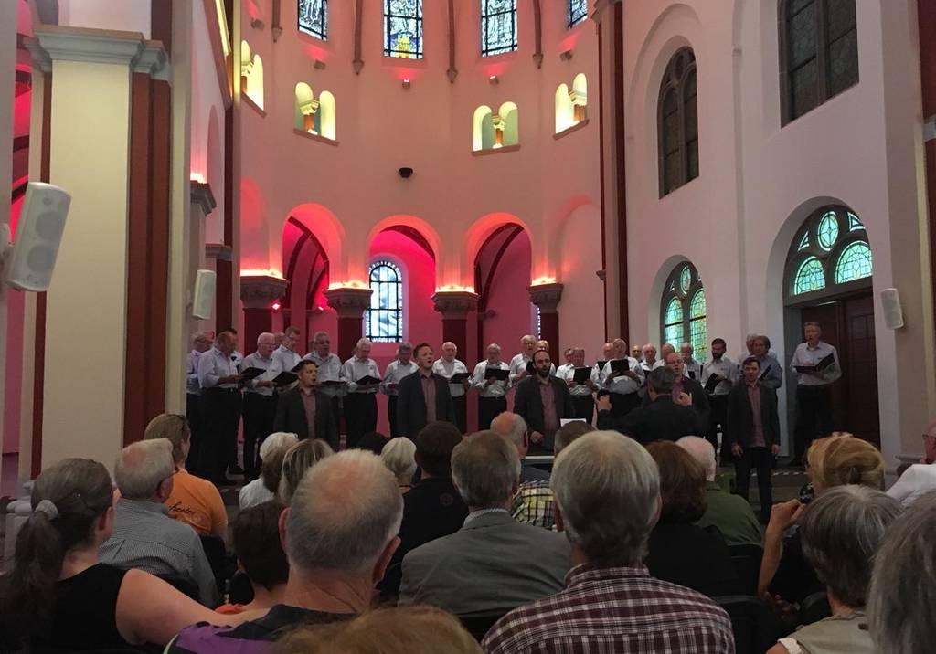 """""""Die Kellner"""" mit dem Männerchor Geistingen"""