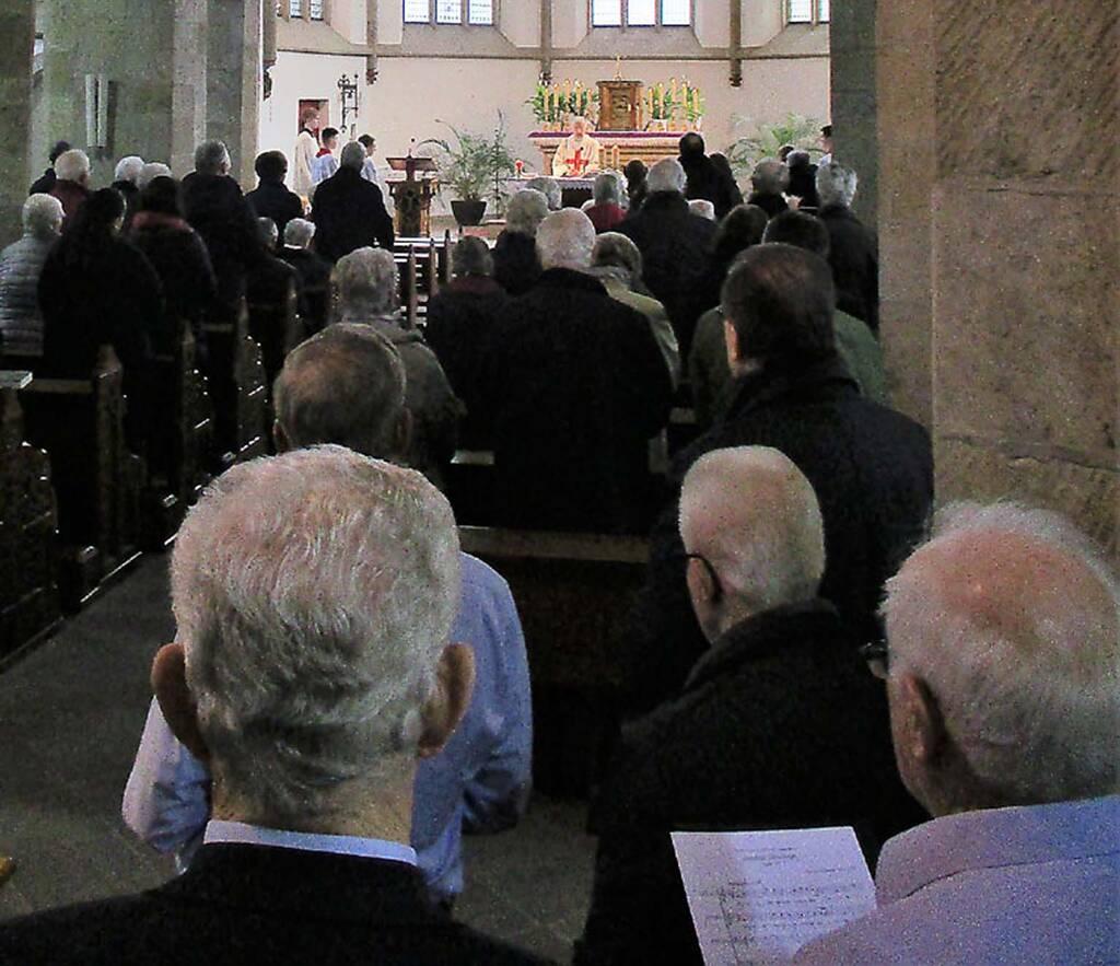 Männerchor Geistingen begleitet das Hochamt musikalisch